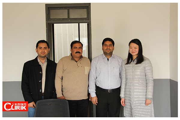 Welcome Pakistan Customers Come to Visit Our Factory