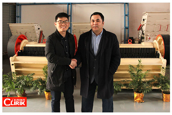 Welcome Mongolia Customers Come to Visit Our Company